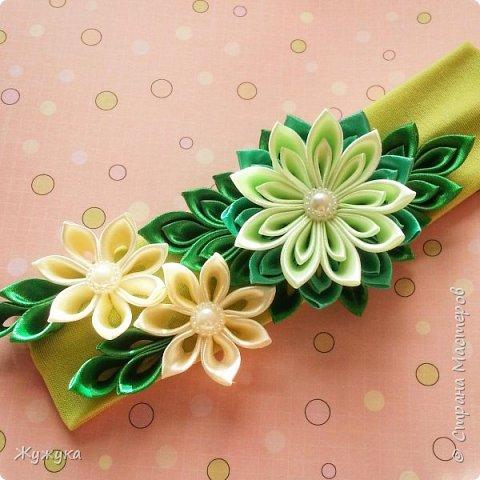 Со временем становиться становиться не интересно делать просто цветы из простых лепестков, вот и решила попробовать сделать композицию из цветов. Первая такая повязочка конечно же для любимой дочери)  фото 1
