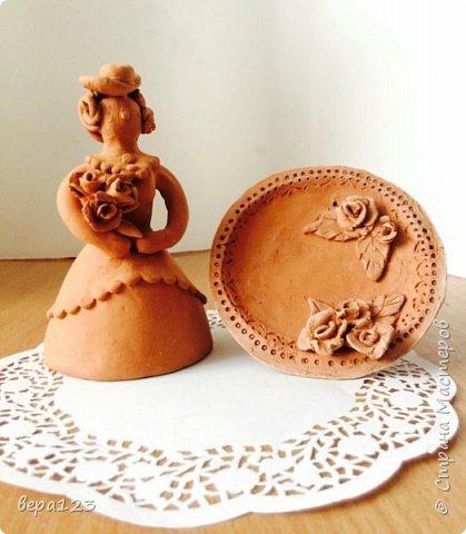 Дымковская барышня со своей тарелкой и миллионом роз. фото 1