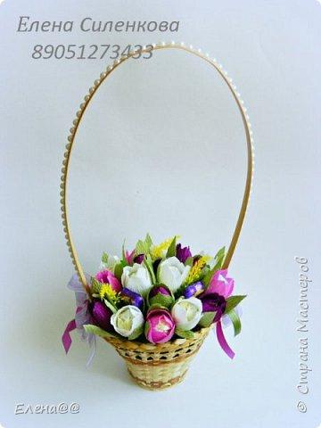 Добрый день жители СМ. Я медленно возвращаюсь к любимому занятию и хочу показать вам работы к 8 марта! Корзина с тюльпанами и розами. Конфеты Арфа и Рафаэлло. Эта корзина будет подарена хорошему доктору когда будем вписываться домой. фото 9