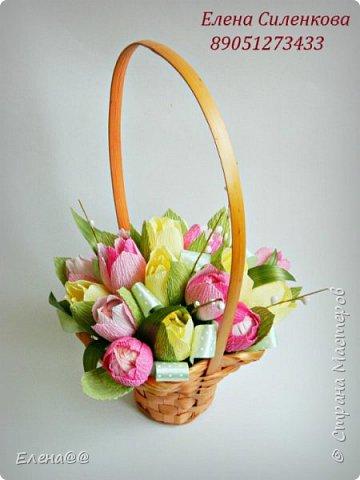 Добрый день жители СМ. Я медленно возвращаюсь к любимому занятию и хочу показать вам работы к 8 марта! Корзина с тюльпанами и розами. Конфеты Арфа и Рафаэлло. Эта корзина будет подарена хорошему доктору когда будем вписываться домой. фото 7