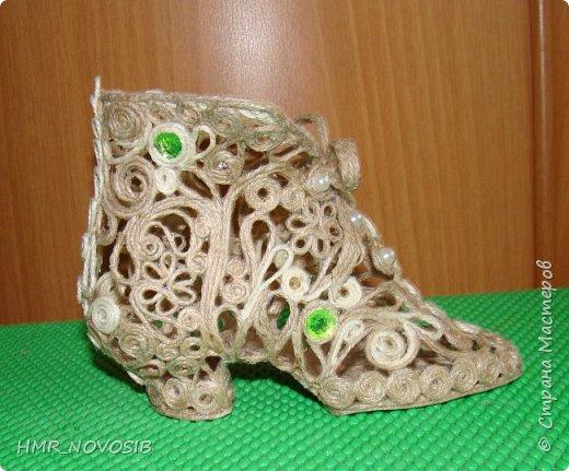 Здравствуйте, дорогие друзья! Я сегодня к вам с еще одной туфелькой, джутовой. Если кому-то интересно как я ее делаю можно посмотреть тут: http://stranamasterov.ru/node/1003126   фото 4