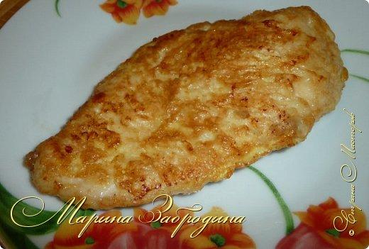 Бризоль — это не кулинарное блюдо, а способ приготовления. С французского языка означает: зажаренный в омлете, яйце. Таким образом можно приготовить различный фарш, рыбу, куриную или свиную отбивную. Сегодня приготовим бризоль из курицы. Блюдо получается сочным и нежным. Можно приготовить к праздничному столу.  фото 9