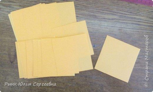 Один из видов оригами - кусудама. Кусудама – это цветочный шар из бумаги. Техника его изготовления популярна во всем мире. Кусудамы делают поэтапно. Вначале создаются объемные лепестки, затем их объединяют в один большой цветок. Склеенные между собой цветки образуют красивый и объемный шар.  фото 3