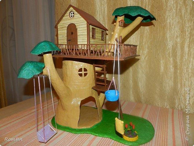 Здравствуйте все жители Страны Мастеров. Решил вам показать свою работу Дом-дерево от известной  фирмы Sylvanian Families,картинку  нашел в интернете, мой дом в отличии от оригинала больше по размеру.Высота 51см,  Купить все что нравиться от Sylvanian Families невозможно, так как игрушки эти дорогие, а очень многое хочется и я решил попробовать сделать Дом-дерево. Вот что получилось.   фото 33