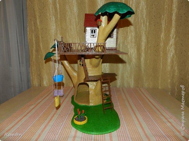Здравствуйте все жители Страны Мастеров. Решил вам показать свою работу Дом-дерево от известной  фирмы Sylvanian Families,картинку  нашел в интернете, мой дом в отличии от оригинала больше по размеру.Высота 51см,  Купить все что нравиться от Sylvanian Families невозможно, так как игрушки эти дорогие, а очень многое хочется и я решил попробовать сделать Дом-дерево. Вот что получилось.   фото 26