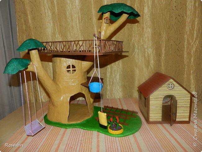 Здравствуйте все жители Страны Мастеров. Решил вам показать свою работу Дом-дерево от известной  фирмы Sylvanian Families,картинку  нашел в интернете, мой дом в отличии от оригинала больше по размеру.Высота 51см,  Купить все что нравиться от Sylvanian Families невозможно, так как игрушки эти дорогие, а очень многое хочется и я решил попробовать сделать Дом-дерево. Вот что получилось.   фото 31