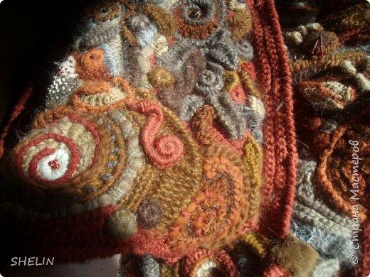 Тёплая кофточка-курточка крючком в стиле фриформ фото 3
