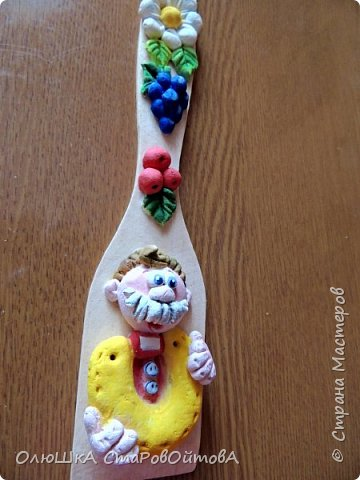 Сувенирные лопаточки с домовыми из соленого теста. Таких очень много в интернете и на сайте. вот такие теперь и у меня. фото 7