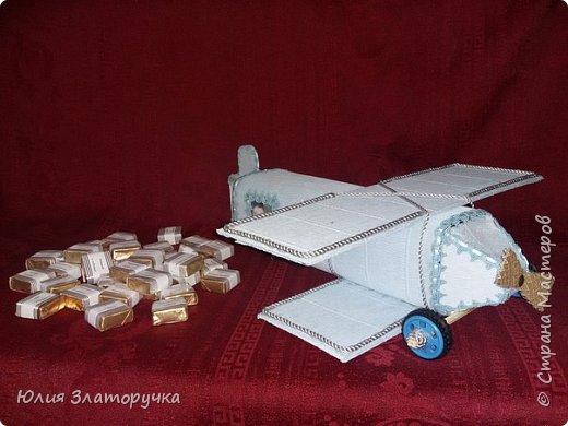 Самолет из конфет для мужчину в 51 год фото 1