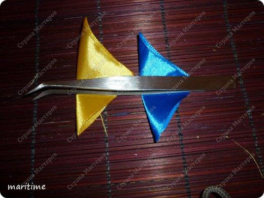 Вот  острый двухцветный лепесток канзаши в трёх вариациях фото 3