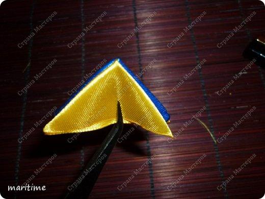 Вот  острый двухцветный лепесток канзаши в трёх вариациях фото 6