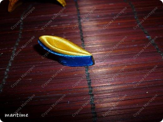 Вот  острый двухцветный лепесток канзаши в трёх вариациях фото 10