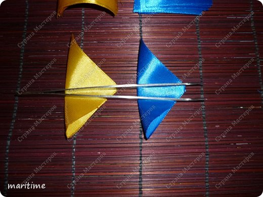 Вот  острый двухцветный лепесток канзаши в трёх вариациях фото 11