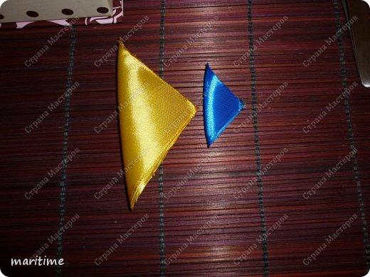 Двухцветный круглый лепесток канзаши в трёх исполнениях фото 12