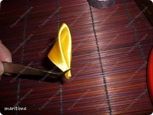 Острый вывернутый лепесток канзаши фото 3