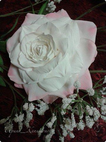 Доброго времени суток всем мастерицам, мастерам и гостям СМ!!! Это моя первая роза из фоамирана....не судите строго:))))) фото 1