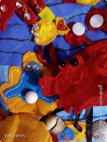 """Здравствуйте, сшила ещё две книжки из ткани и фетра, для своих детей, книжки задумывались как одна, но из за толщины вышло две, персонажи у них общие, играть ими лучше одновременно.Сказки, которые можно разыграть в этих книгах: """"Курочка Ряба"""", """"Колобок"""", """"Теремок"""", """"Три медведя"""", """"Маша и медведь"""", """"Гуси-лебеди"""", """"Заяц и лиса"""", """"Петушок - золотой гребешок"""", """"Золотая рыбка"""", """"Грибок"""", """"Репка"""", """"Волк и семеро козлят"""", """"Сорока-ворона"""", """"Два веселых гуся"""", """"Три поросенка"""", """"Красня шапочка"""". фото 25"""