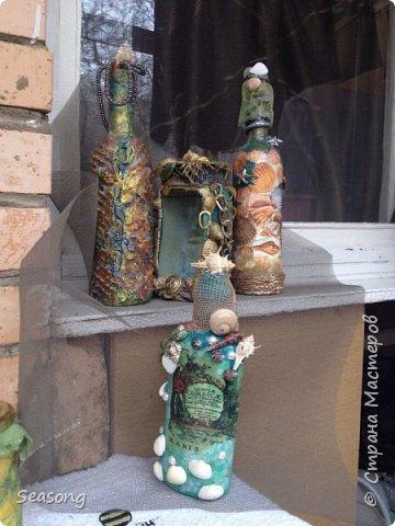 Морская стихия любима мной с детства. В комплекте 4 бутылочки, плюс баночка (матроскин) и светильник (лампадка) - огни будут добавлены чуть позже. Вот они 4 красавицы - главные, трудоемкие. фото 2