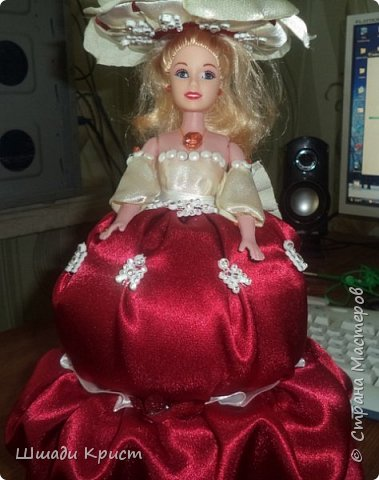 кукла-шкатулка.40см. пластик, прессвата, паралон,бусы,стразы,бисер, фатин,крепсатин,ленты фото 3