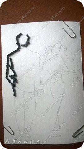 Вот такое панно можно сделать с детьми Долго, кропотливо, но интересно.  Рамка покупная, бисер наклеен на стекло. Под стекло положила лист с наброском рисунка. Прошу прощения, но не сделала финального фото с хорошим фоном. Люди плетут, вышивают, а я клею ))) фото 7