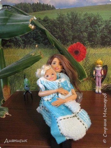 Привет всем! Вчера мы купили новую куклу. Это Челси от Маттел. Челл сразу заявила, что теперь она её приемная дочь, потому что она первая её увидела. фото 1