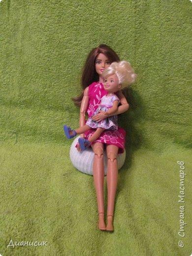 Привет всем! Вчера мы купили новую куклу. Это Челси от Маттел. Челл сразу заявила, что теперь она её приемная дочь, потому что она первая её увидела. фото 4