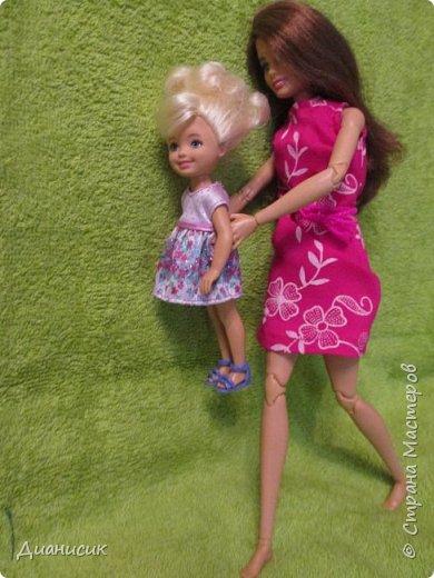 Привет всем! Вчера мы купили новую куклу. Это Челси от Маттел. Челл сразу заявила, что теперь она её приемная дочь, потому что она первая её увидела. фото 5