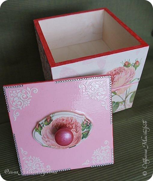 Здравствуйте дорогие друзья и гости моего блога! Сегодня вашему вниманию представляю такой розовый романтический комплект. Это комодик и шкатулочка для девчачьих мелочей. фото 5