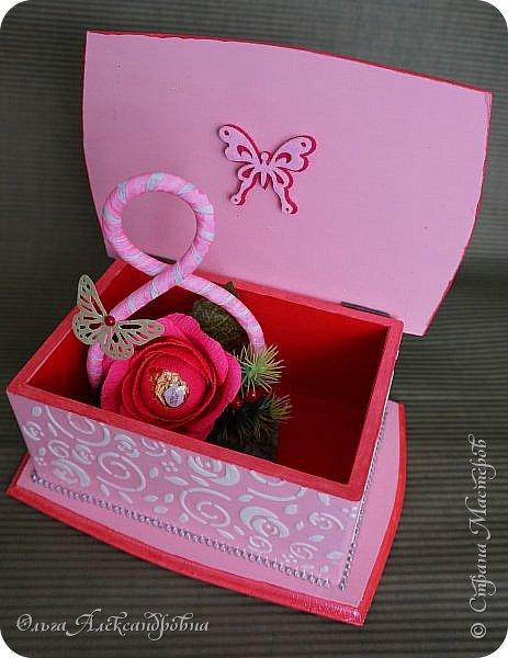 Здравствуйте дорогие друзья и гости моего блога! Сегодня вашему вниманию представляю такой розовый романтический комплект. Это комодик и шкатулочка для девчачьих мелочей. фото 11