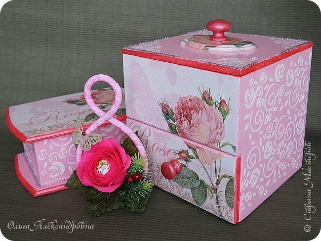 Здравствуйте дорогие друзья и гости моего блога! Сегодня вашему вниманию представляю такой розовый романтический комплект. Это комодик и шкатулочка для девчачьих мелочей. фото 1
