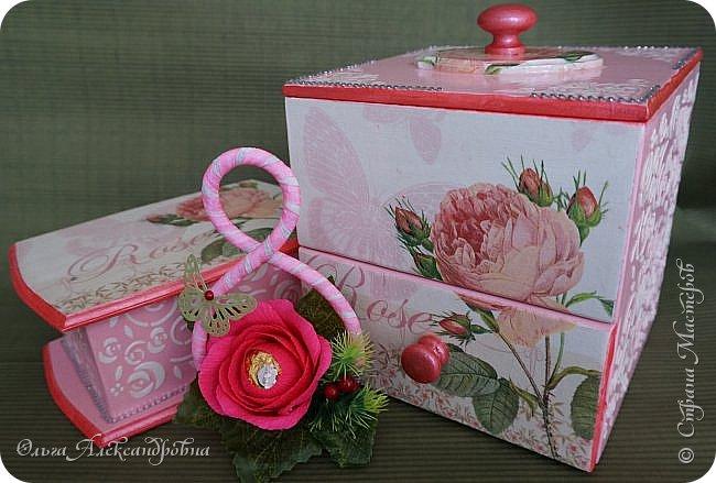 Здравствуйте дорогие друзья и гости моего блога! Сегодня вашему вниманию представляю такой розовый романтический комплект. Это комодик и шкатулочка для девчачьих мелочей. фото 14