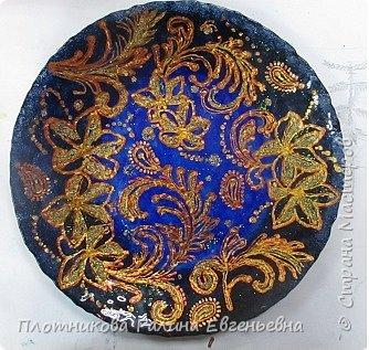 Яркая, блестящая, весенняя роспись тарелки к празднику. Делается быстро и просто. фото 7