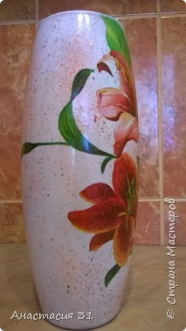 Посмотрев работы мастеров очень захотелось сделать и себе вазочку из такой бутылки фото 6