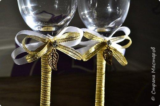 А эти свадебные бокалы готовились для свадьбы моего любимого брата))) Невеста очень хотела что-то крайне лаконичное и изящное. По-моему критериям соответствует, что скажете? ;)) фото 2