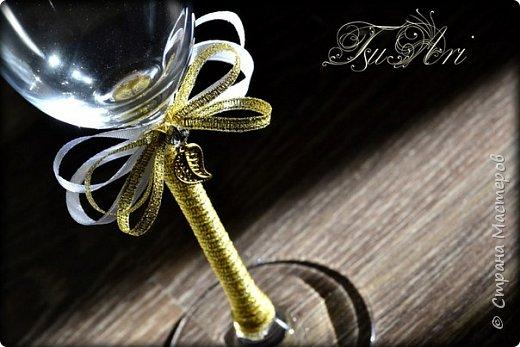 А эти свадебные бокалы готовились для свадьбы моего любимого брата))) Невеста очень хотела что-то крайне лаконичное и изящное. По-моему критериям соответствует, что скажете? ;)) фото 1
