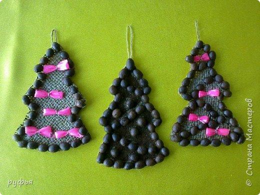 Новогодние украшения, магниты и подвески.Роботы учащихся студии. фото 2