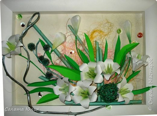 Мне нравиться сочетать в работе несколько техник. Работы от этого становятся более колоритными, яркими, интересными. В этой работе использованы техники аппликация плоскостная, бумагопластика (чайник, листья цветов), природный материал (сушеные шиповник, долька апельсина, заварка зеленого чая, корица)Так же были использованы готовые скрапцветы и вырубка бабочки. Работу выполнила ученица 8-го класса Березуцкая Анастасия. фото 4