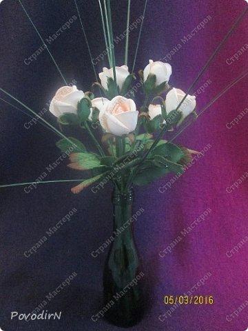 Мини композиция из семи роз. Абсолютно не хотела фотографироваться. фото 4