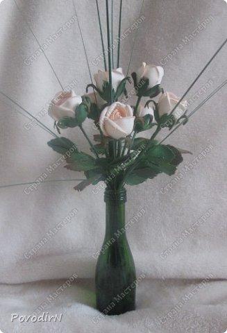 Мини композиция из семи роз. Абсолютно не хотела фотографироваться. фото 7