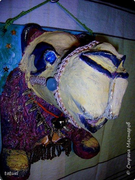 Всем привет! Этот верблюжонок из работ-долгостороев.  Считала, что он получился недостаточно похожим, да и первоначальный цвет  не радовал. Пришлось за него взяться, переделать форму глаз, цвет морды, добавить сбрую.  Сейчас он стал намного симпатичнее. фото 1