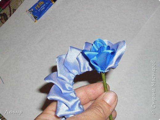 Добрый день, Страна. Выкладываю на ваш суд МК такой розы. Сама я такую розу первый раз увидела у Олеси Иноземцевой в Одноклассниках ( только у неё была просто заколка, не на ножке). фото 19