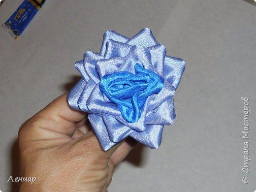 Добрый день, Страна. Выкладываю на ваш суд МК такой розы. Сама я такую розу первый раз увидела у Олеси Иноземцевой в Одноклассниках ( только у неё была просто заколка, не на ножке). фото 22