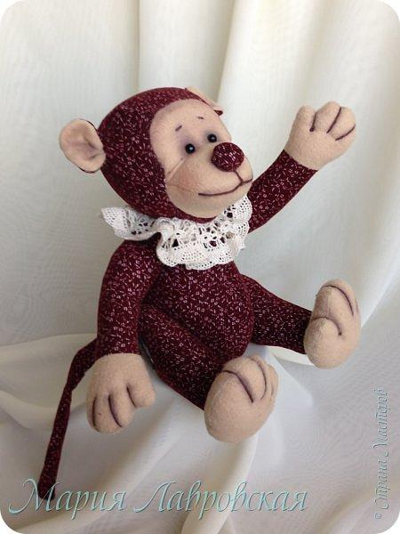 Знаю, уже было много обезьянок в преддверие Нового Года, а я не успела сшить даже для себя. Поэтому наша Чи-Чи появилась как раз в канун  Китайского Нового Года.    И все же  рискну выставить  ее на Ваше обозрение... фото 6
