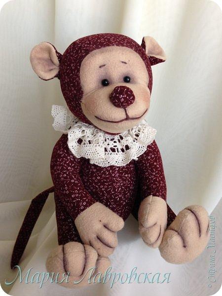 Знаю, уже было много обезьянок в преддверие Нового Года, а я не успела сшить даже для себя. Поэтому наша Чи-Чи появилась как раз в канун  Китайского Нового Года.    И все же  рискну выставить  ее на Ваше обозрение... фото 1