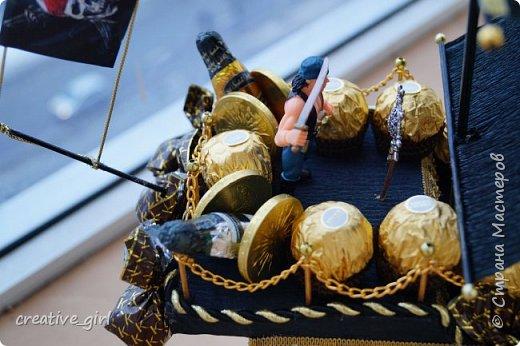 Представляю вашему внимаю мой второй пиратский корабль из конфет)  фото 5