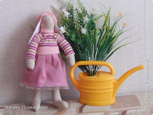 Парочка пасхальных кроликов в нежно-розовых тонах фото 4