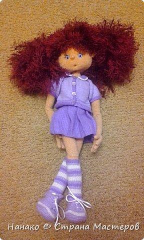 Нютка-анютка. Прелестная версия девочки-домовенка. На волосы использовалась пряжа-травка, так что теперь эти волосы даже в хвостик собрать тяжело (  на фото два хвостика). Кукла очень большая .Около пол-метра. Вся одежда снимается.  фото 1