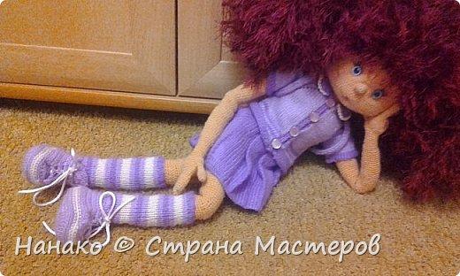 Нютка-анютка. Прелестная версия девочки-домовенка. На волосы использовалась пряжа-травка, так что теперь эти волосы даже в хвостик собрать тяжело (  на фото два хвостика). Кукла очень большая .Около пол-метра. Вся одежда снимается.  фото 2