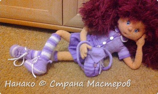 Нютка-анютка. Прелестная версия девочки-домовенка. На волосы использовалась пряжа-травка, так что теперь эти волосы даже в хвостик собрать тяжело (  на фото два хвостика). Кукла очень большая .Около пол-метра. Вся одежда снимается.  фото 3