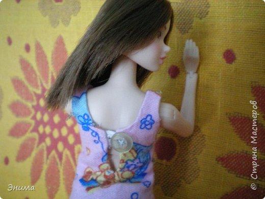 Привет всем! Я с новенькой. Назвали Китти. Очень милая девочка с человеческими пропорциями, поэтому шить на неё одно удовольствие. Из детского флиса сшила Китти такую пижамку. фото 5